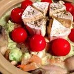 海老と牡蠣のアボカド豆乳カマンベールチーズなべ