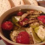 カマンベールチーズとトマトのアヒージョ