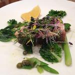 鮭のポアレと春野菜のエチュベ