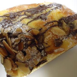 バナナショコラのブリオッシュ(手作りパン工房 コネルヤ (coneruya))