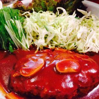 まる煮込みハンバーグ(宮のバル)