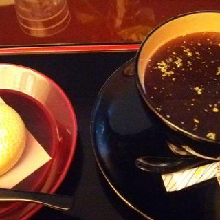 金箔コーヒー 和菓子付き(いしかわ百万石物語 江戸本店)