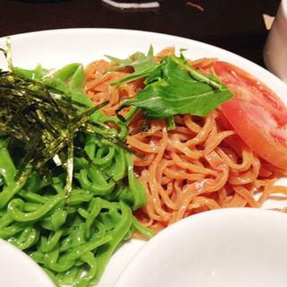トマトとほうれん草のつけ麺(味の彩華 (あじのさいか))