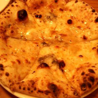 ゴルゴンゾーラチーズとアカシア蜂蜜のピッザ(ディプント 桜橋店 (Di PUNTO))