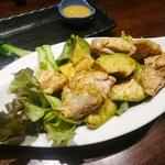 鶏とアボカドの九州甘醤油和え