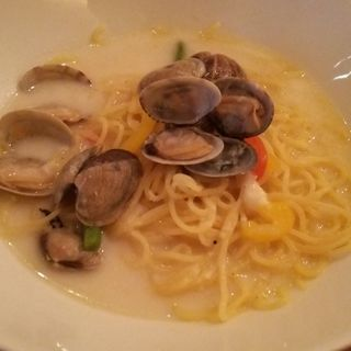 白のスープパスタ(Lunch & Bar 花菜)