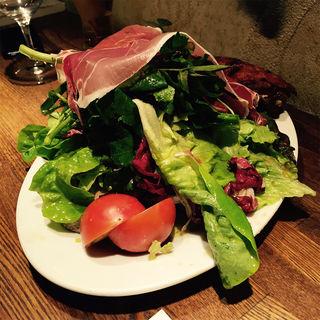 サラダランデーズ(煮こみや なりた)