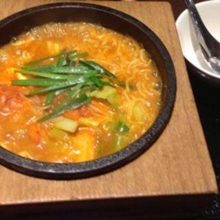 石焼担々麺(台湾小籠包 新宿サブナード店 )