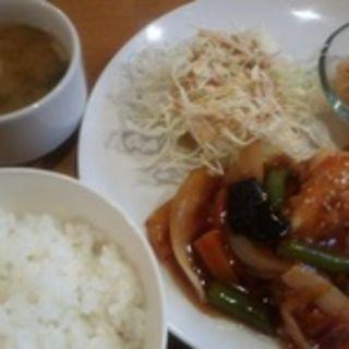 海老と野菜のチリソース炒めランチ(メグーカ (MEGUCA))