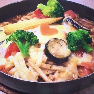 とろーり卵と野菜のチーズ焼きカレーうどん(ハート・ツリー・カフェ)