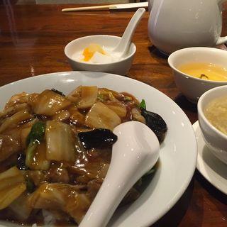 牛肉のあんかけご飯(パンダレストラン)