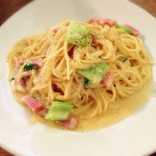 チンゲン菜とベーコンのカルボナーラ(オリエンタル カフェ (ORIENTAL CAFE))