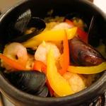 土鍋の炊き込みシーフードパエリア