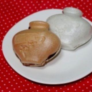 壺型最中 (茶・つぶあん)(壺屋総本店  (つぼやそうほんてん))