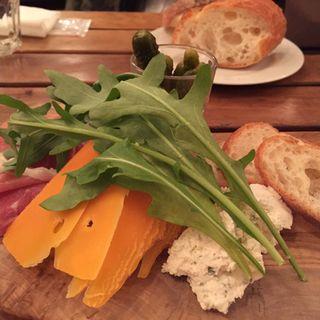 チーズの盛合せ(カフェ・マディ 青山店 (Cafe Madu))