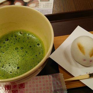 お抹茶と生菓子のセット(ぷらす餡)