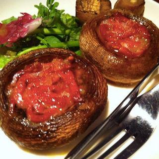 ジャンボマッシュルームの生ハム詰め焼き(バクライ (VAKURAI ))