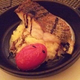 魚のポワレ バルサミコソース(ザ ロビーラウンジ )