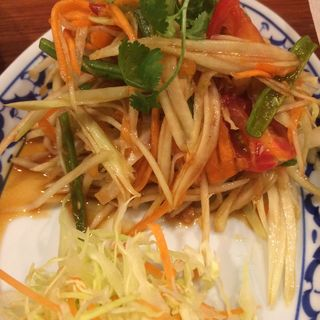 青パパイヤのサラダ(クワンチャイ 梅田店 )