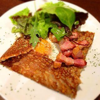 ベーコン卵ガレット(W cafe (ダブルカフェ))