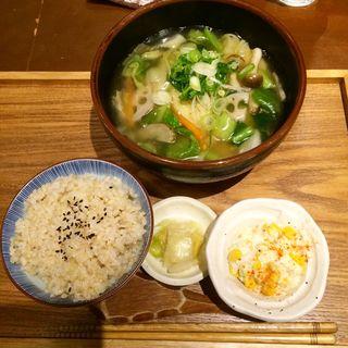 あんかけラーメン Mサイズ(ムモクテキカフェ (mumokuteki cafe))
