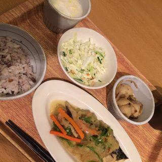 日替わり定食(丸の内タニタ食堂)