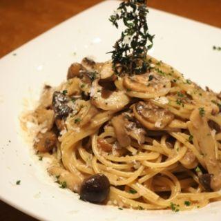 キノコのスパゲッティ ボルチーニクリーム(tcc Steak & Seafood)