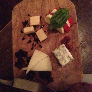 チーズ盛り合わせ(モントーク (montoak))