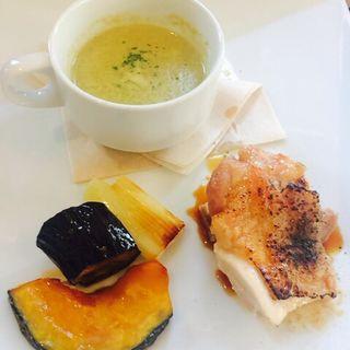 国産若鶏モモ肉のフレンチ風西京焼き(HUIT harajuku)