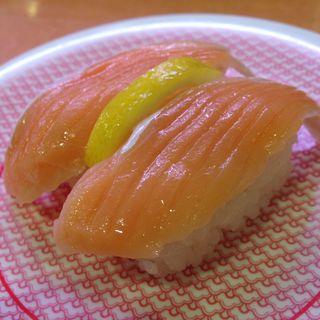 とろサーモン(レモンあり)(かっぱ寿司 西京極店 )
