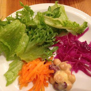 鎌倉野菜のサラダ(Bistro Cubeman)