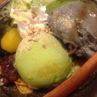 わらび餅と白玉と抹茶アイスのkawaraパフェ(kawara CAFE&KITCHEN + plus 渋谷 (カワラ カフェアンドキッチン プラス))