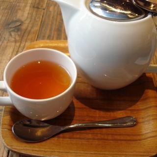 紅茶(ダージリン)(スズカフェ)