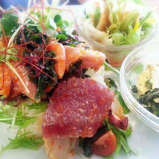 海鮮サラダご飯(フダンカフェ (fudan cafe))
