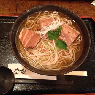 豚バラ煮込みそば(ソば な也 (【旧店名】江戸そば水道筋店))