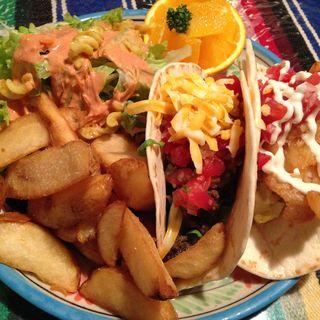 タコスコンボ(エルドミンゴグランデ (EL DOMINGO GRANDE 【旧店名】California Cuisine HANA Restaurant & Bar))