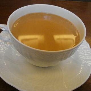 厳選茶葉の紅茶(五感 北浜本館 (GOKAN ゴカン))