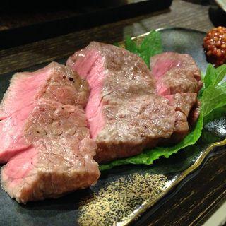もも肉塊焼(120g)(炭焼塩ホルモン『あ』神戸酒場 )