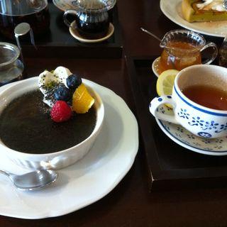黒ごまのブリュレ(cafe.shuu (カフェ シュウ))