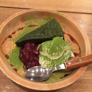 抹茶の温かいケーキ(おぼんdeごはん 新宿ミロード店 )