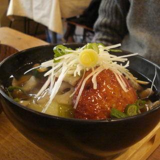 豆腐ハンバーグの和風あんかけ丼(ムモクテキカフェ (mumokuteki cafe))