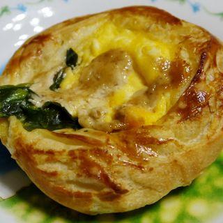 菜の花と卵の春色パン(ルパ 橋本店 (Le repas))