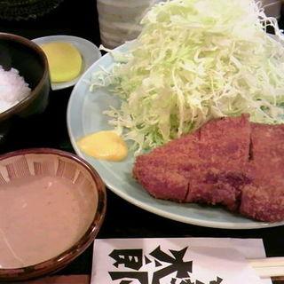ロースカツ定食(とんかつ太郎 (とんかつ・たろう))