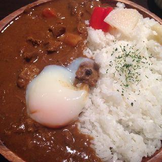 牛スジカレー(温玉100円プラス)(ピグボッテ 北浜店 )
