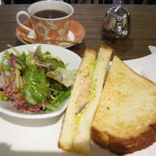 焼き鮭とチーズのサンド(ダンケ 心斎橋 (バターブレンドコーヒー ダンケ))