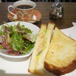 焼き鮭とチーズのサンド