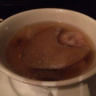 フカヒレ姿の煮込み、スープ蒸し冬瓜添え(中国料理 カリュウ (かりゅう Karyu))