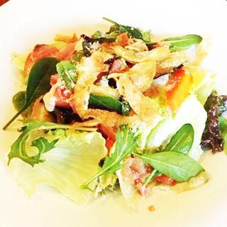 サラダランチ (季節の野菜のシーザーサラダ)(サント ウベルトゥス (ST.HUBERTUS))