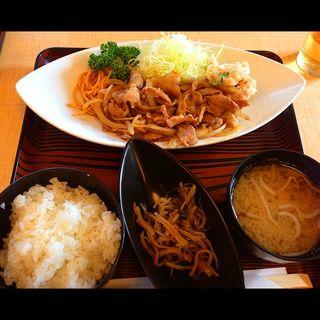 美明豚の生姜焼き定食(ポテトサラダ付き)(かど新)