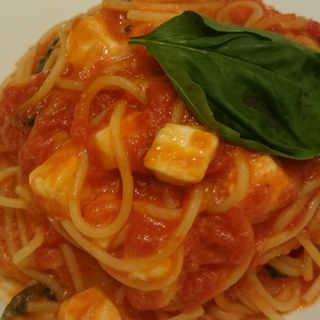 モツァレラチーズのトマトパスタ(オステリア サクラ )